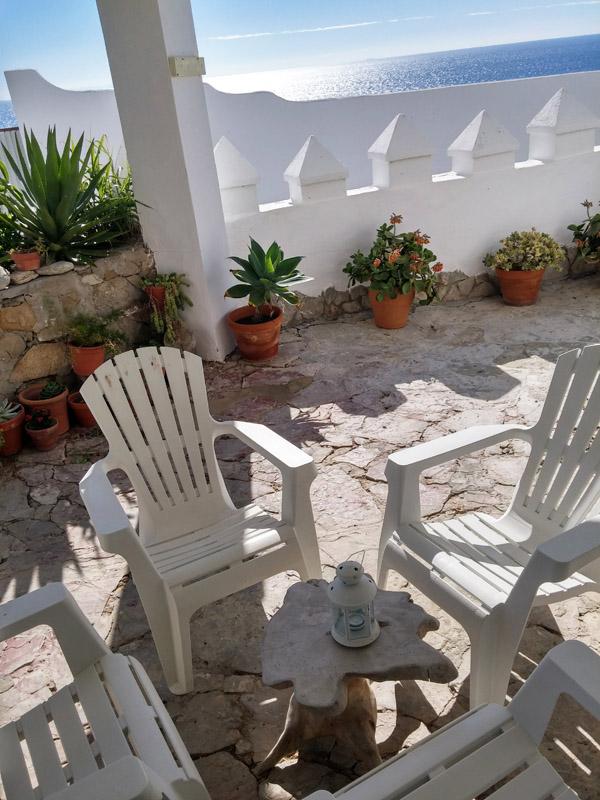 ALOJAMIENTO EN CANOS DE MECA PORCHE ENTRADA
