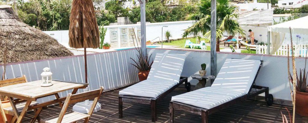 bungalow con terraza en canos de meca