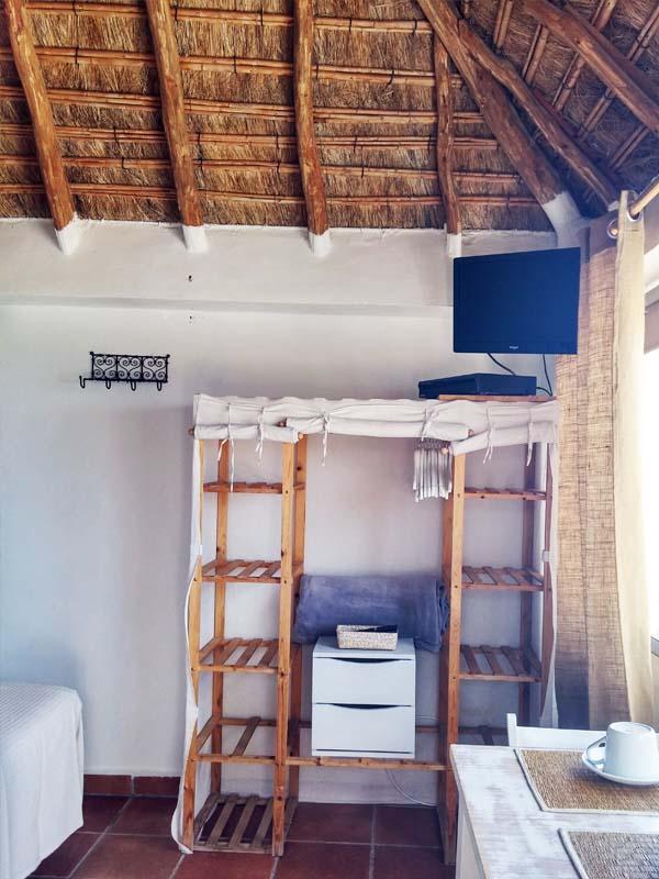 bungalow en canos de meca vista mar armario habitacion